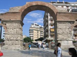 Thessaloniki-Arch_of_Galerius_%28eastern_face%29
